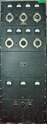 Collier and Beale 277 radio transmitter