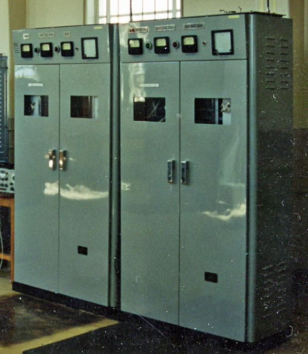2 JRC single sideband marine radio transmitters before their removal from the decommissioned Auckland Radio transmitter site in 1994