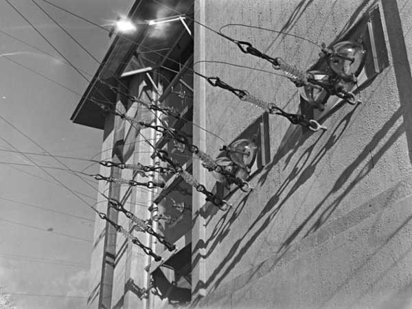 Aerial feeds from ZLD Oliver Rd transmitter building, 29 August 1946. Photo: Whites Aviation
