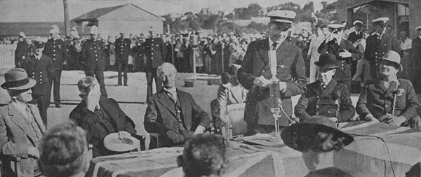 Commander of Clipper flying boat replies to reception at Auckland in December 1937