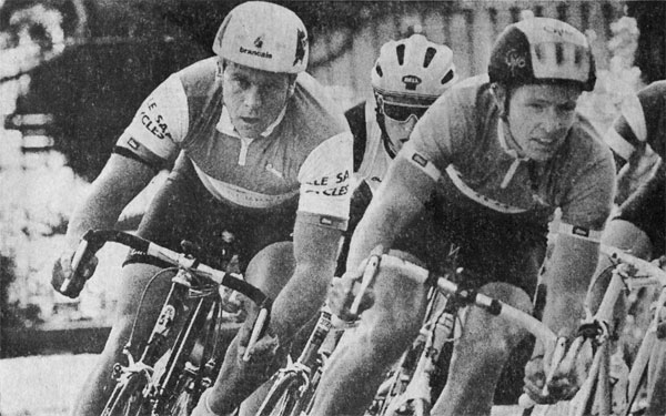 Tony Graham (left) during the Cycle Tour of Auckland, 21 May 1989