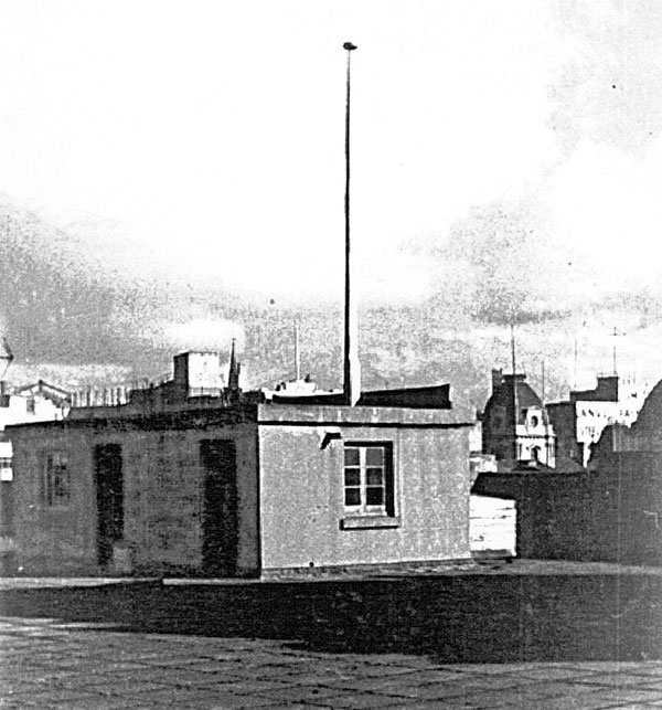 Radio cabin on roof of Auckland CPO