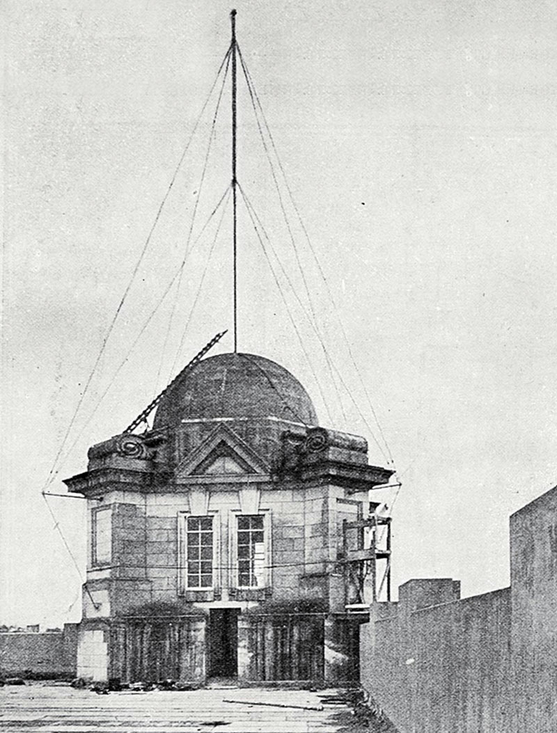 Radio mast on roof of Auckland Chief Post Office, 1912