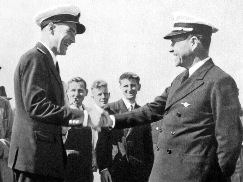 Captains Burgess (left) and Musick in Auckland, Dec 1937.