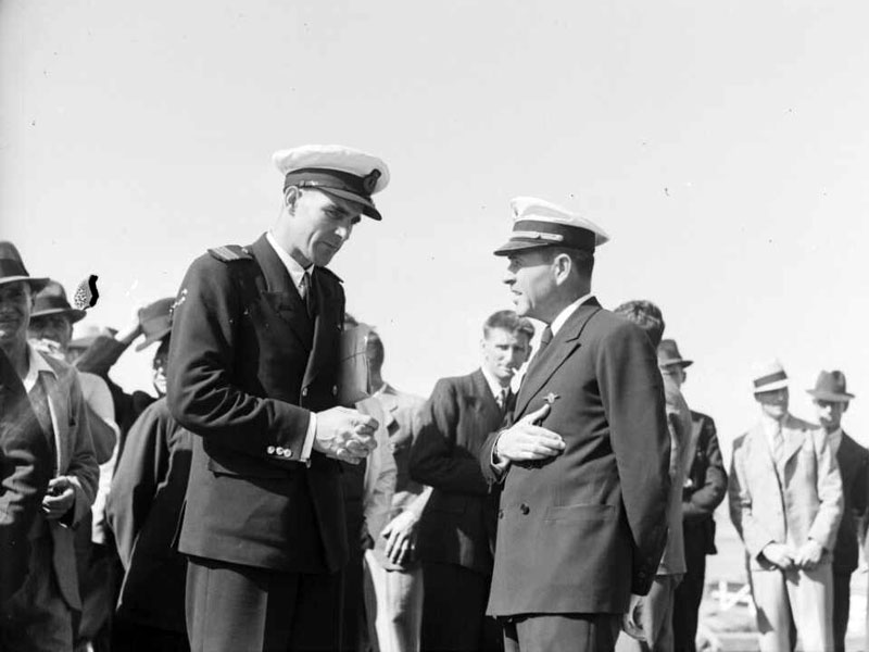 Captains Burgess and Musick in Auckland, Dec 1937