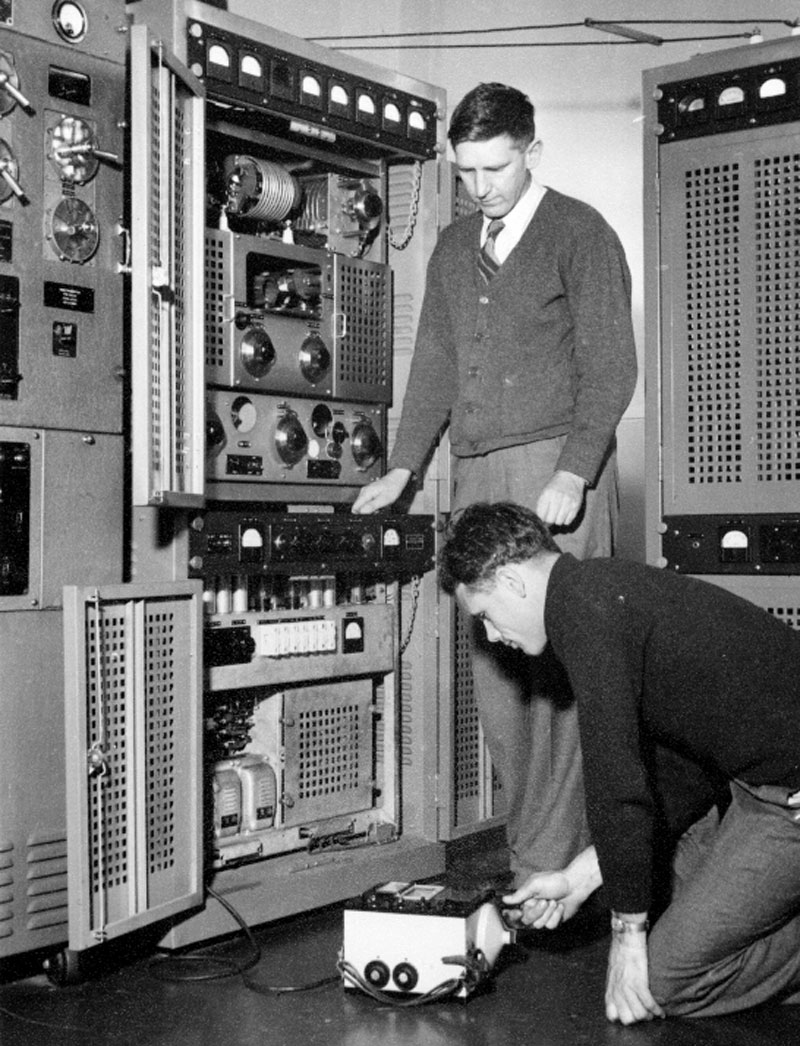 Technicians at Auckland Radio ZLD: H Wiggens and possibly Robert William Fielding who died in 1951 at age 30 when the yacht Argo disappeared during the disastrous Centennial Yacht Race