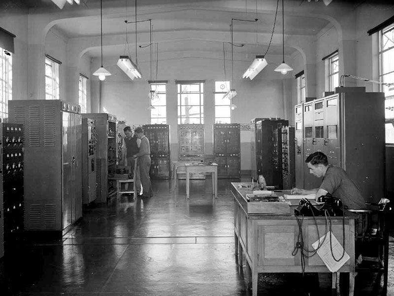 Auckland Radio transmitter hall, 1946