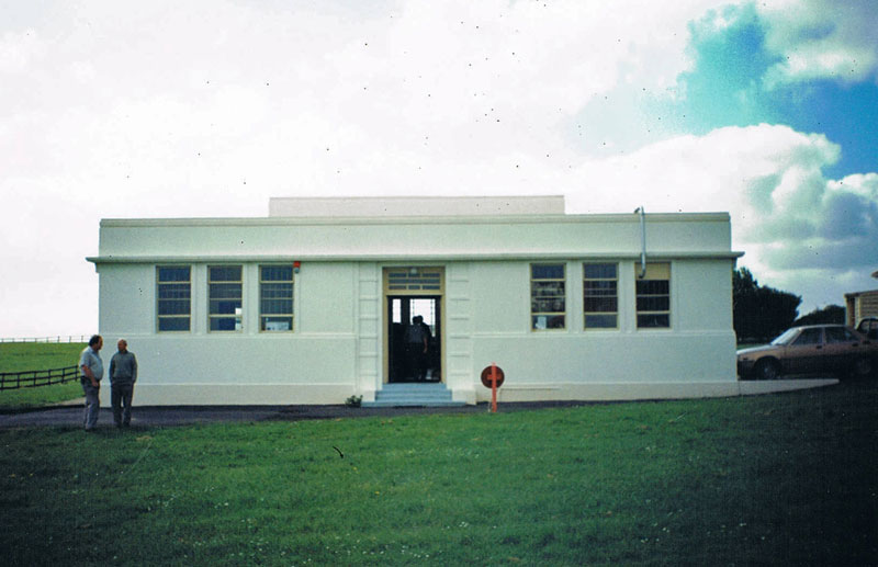 Auckland Radio's Oliver Rd transmitter building shortly before it was demolished