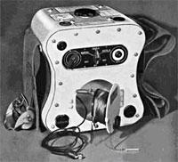 SCR 578 Gibson Girl transmitter