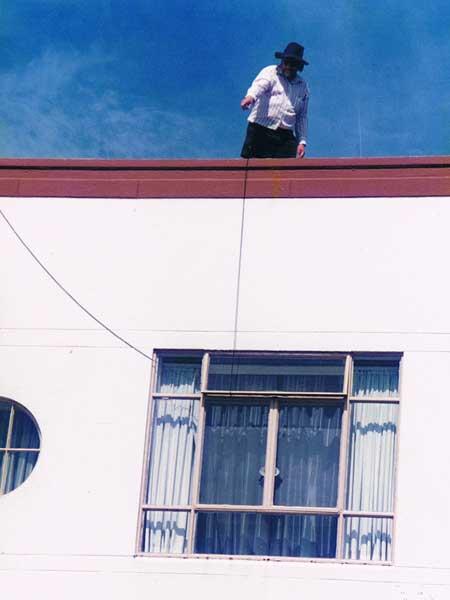 Ian Walker ZL1BFB working on antennas atop the Musick Memorial Radio station, 23 January 2000