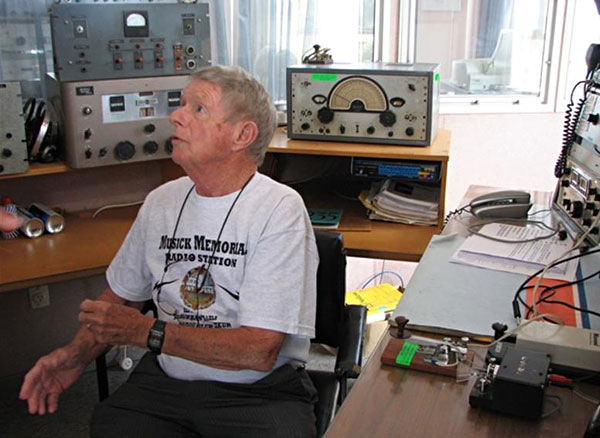 Ramon Chandler ZL1ARY prepares to send the first message on 512kHz from ZL1ZLD