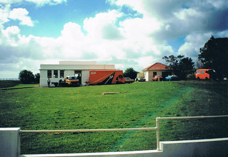 Members of MPRG move equipment out of the Auckland Radio Oliver Rd transmitter building.