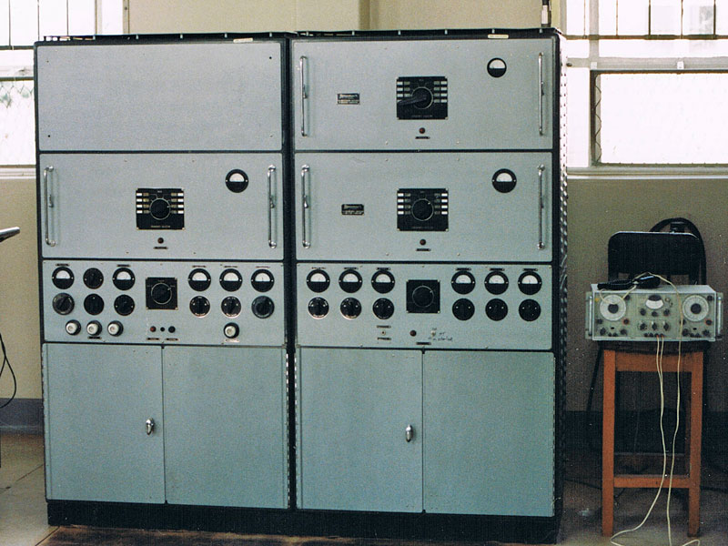Dansk S 265-3F-4M MF radiotelegraph transmitter
