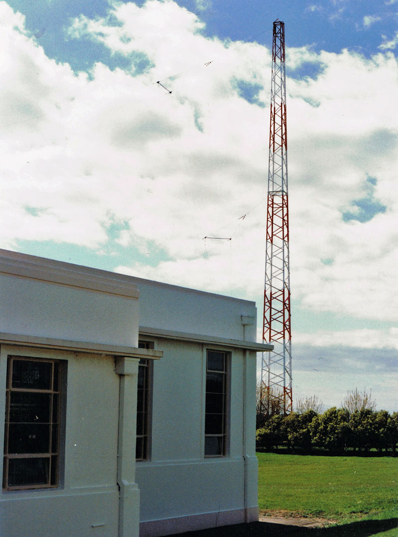 Transmitter building and tower, Auckland Radio ZLD